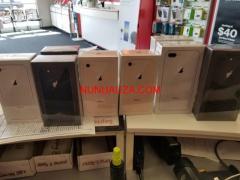 NEW Apple iPhone7 / 7Plus (Factory Unlocked)