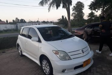 Make/Model : Toyota IST  DJC Year : 2004 Engine Size: 1290cc Mileages : 69000kms