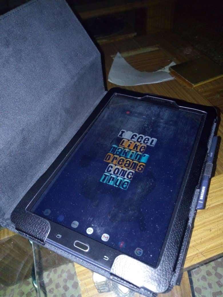 Samsung galaxy tab A 2016 10.1 sm-p585 with s pen