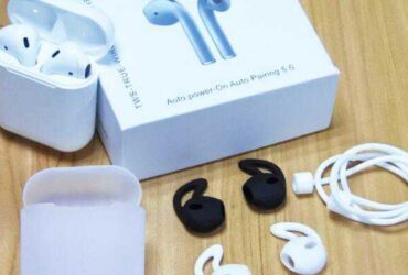 i12 Bluetooth Earphone