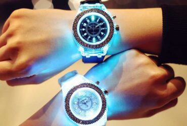 Led Flash Luminous Watch Personality trends students lovers jellies woman men's watches